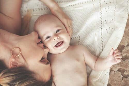 Vauvahieronnat hyödyttävät vauvaa