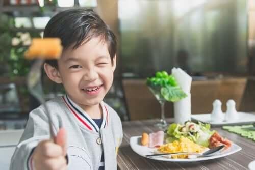 Mitä tehdä, jos lapsi ei halua syödä?