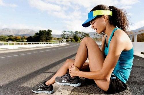 Liiallinen liikunta näkyy usein lihaksissa kipuna ja väsymyksenä