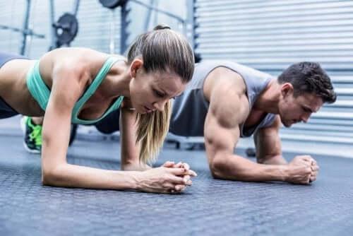 Miten liiallinen liikunta vaikuttaa lihaksiin?