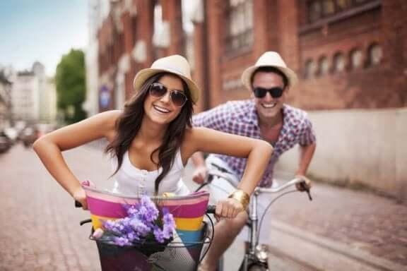 pyöräillään yhdessä