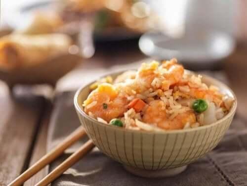 Helppo ja herkullinen paistettu riisi