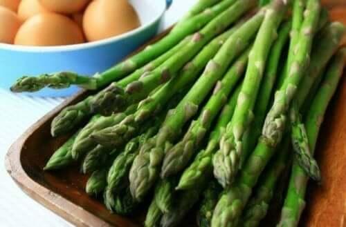 vihreää parsaa