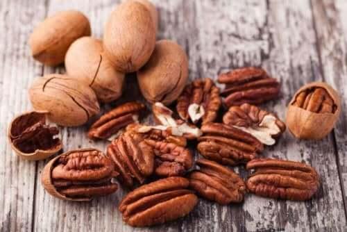 rasvaisia ruokia: pähkinät