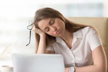 Pitkäaikainen stressi voi saada koko kehon epätasapainoon