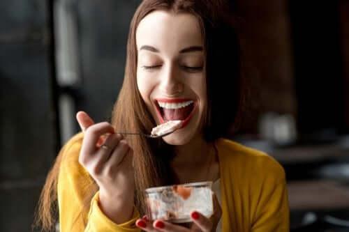 Terveellisiä ja kevyitä välipaloja saa ja kannattaa syödä päivän mittaan