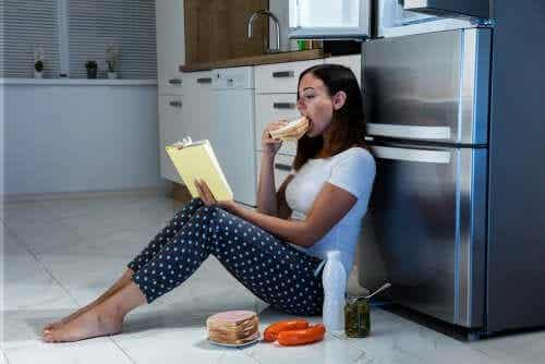 Syötkö nälkään vai ahdistuneisuuteen? Tunne niiden erot!