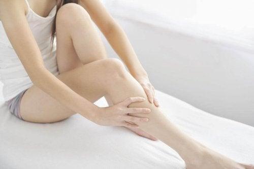 Turvonneet jalat voivat olla seurausta kehon fyysisestä ylikuormituksesta