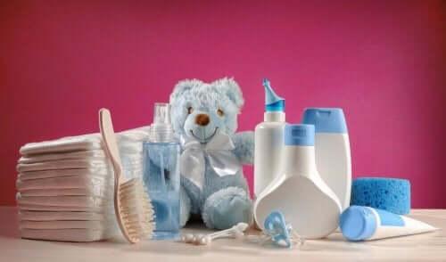 Vauvan hoitotarvikkeita