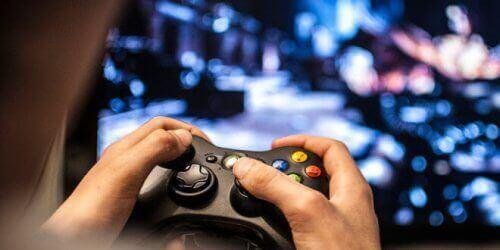 Milloin lapsella on riippuvuus videopeleistä?
