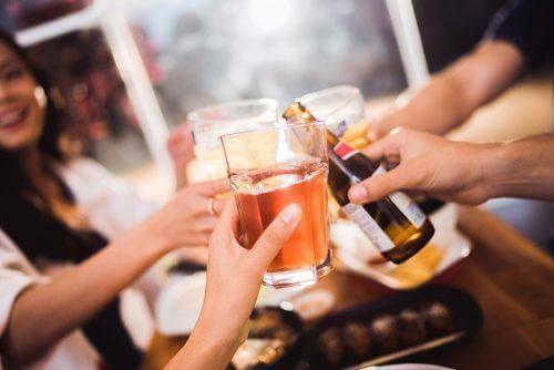 Alkoholi ei ole hyväksi ihmisille, jotka kärsivät gastriitista