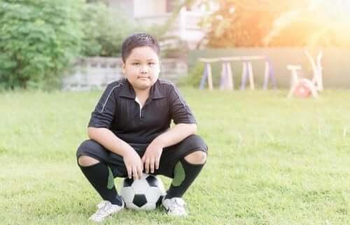 Hauskat liikuntaharjoitukset lapsen liikalihavuuden torjuntaan