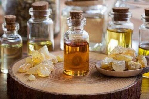 Eteerisen olibaanihartsiöljyn hyödyt terveydelle