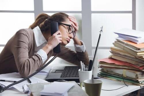 Hallitsematon stressi vaikuttaa fyysiseen ja psyykkiseen hyvinvointiin
