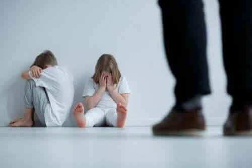 9 merkkiä lasten kaltoinkohtelusta