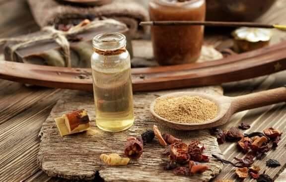 Eteerinen olibaanihartsiöljy lievittää tulehdusta