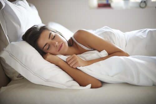 Liivatteesta saatavat mineraalit ja vitamiinit auttavat parantamaan unen laatua