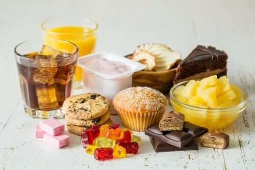 Sokeroidut elintarvikkeet ovat osasyynä vaihdevuosien aikaiseen painonnousuun