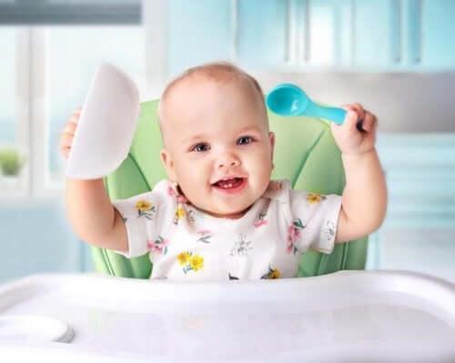 4 myrkyllistä ja vaarallista ruokaa pienelle vauvalle