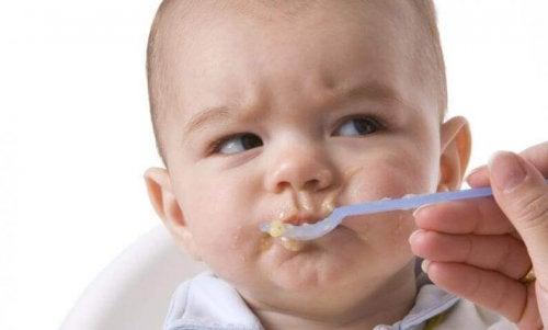 Liiallinen sokeri voi olla pienelle vauvalle jopa hengenvaarallista