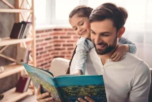 Lapsi on helpompi saada kiinnostumaan lukemisesta, jos vanhemmatkin lukevat