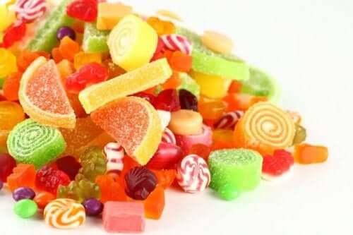 Karkit sisältävät paljon valkoista sokeria