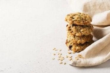 Valmista kaurakeksit ilman sokeria ja voita