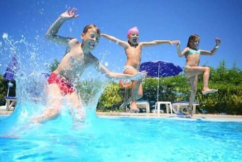 ylikuormittuneita aktiviteeteista: lapset ui