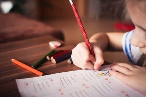 kuinka opetella kirjoittamista kotona