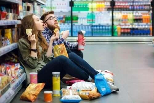 psykologiset keinot painonhallinnan edistämiseksi: älä mene kauppaan nälkäisenä