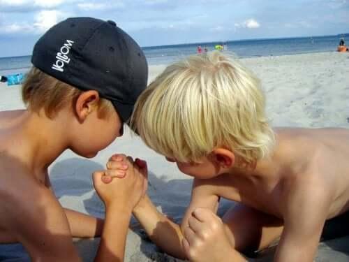 lasten kanssa rannalle