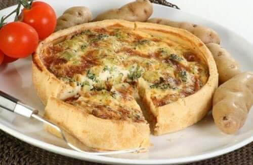 Valmista herkullinen kasvis-juustoquiche