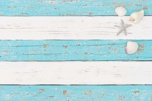Merihenkisessä sisustuksessa käytetään paljon sinistä ja valkoista