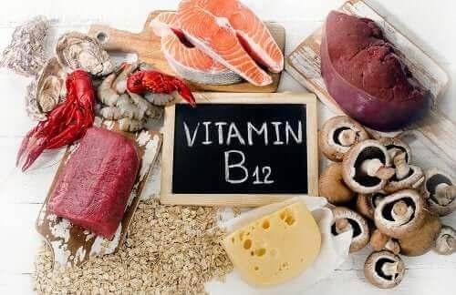 Mitä B12-vitamiinista tarvitsee tietää?
