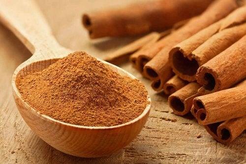 Kaneli on yksi niistä mausteista, jotka sisältävät eniten vitamiineja ja mineraaleja