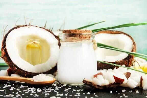 Kookosviinietikka: pääkäyttötarkoitukset ja hyödyt