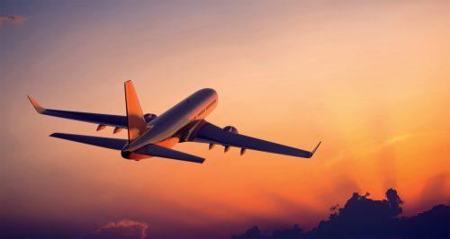 Matkustaminen lentokoneella vauvan kanssa vaatii suunnittelua ennalta