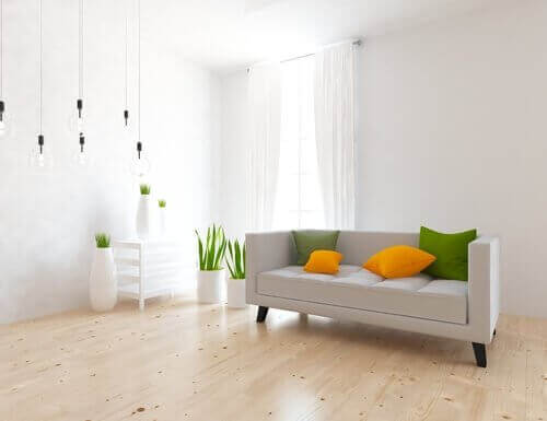 Minimalistinen koti saa väriä pienistä yksityiskohdista