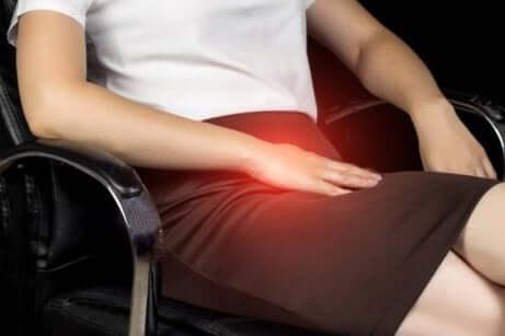 Urheilijan nivuskipu aiheuttaa kipua nivuksissa