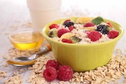 5 tapaa vähentää kolesterolia aamiaisella