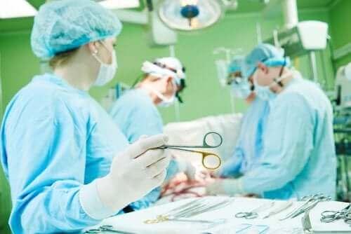 Sternotomia: komplikaatiot ja toipuminen
