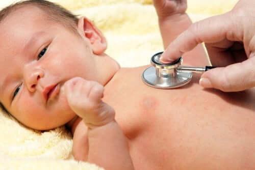 Vauvan hengitysvaikeudet voivat olla merkki yleisinfektiosta