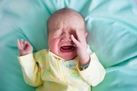 Vauvojen ummetus voi tehdä vauvan oloista tuskaisen
