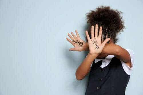 Lasten välinen kiusaaminen: kuinka toimia