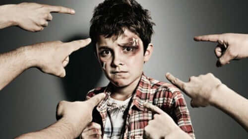 Lasten välinen kiusaaminen on asia, johon aikuisten tulisi puuttua