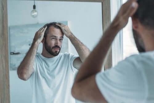 Kurkumasta valmistettu hoito auttaa myös alopeciaan