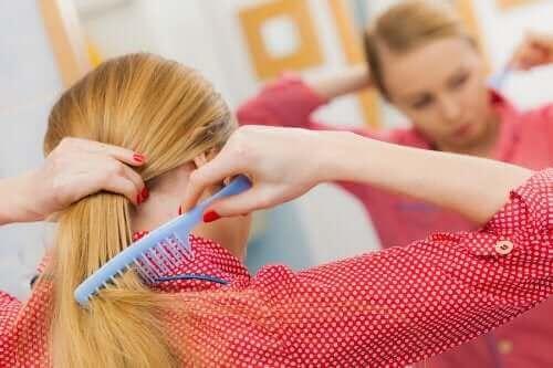 Hiustenlähdön ehkäisy: terve päänahka viidellä vinkillä