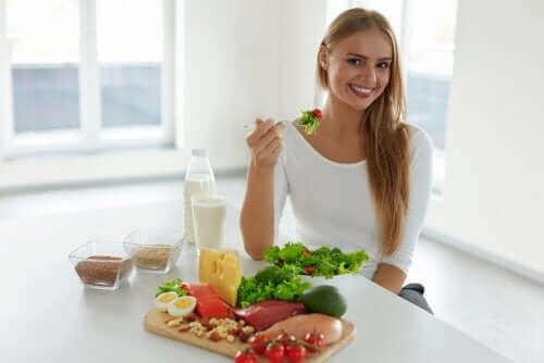 Hiustenlähdön ehkäisy helpottuu terveellisellä ruokavaliolla