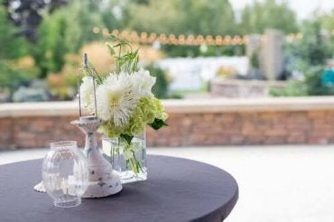 Pöydän koristelu: edulliset ja kauniit ideat