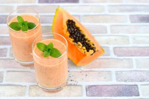 Papaijasmoothie on terveellinen ja herkullinen välipala